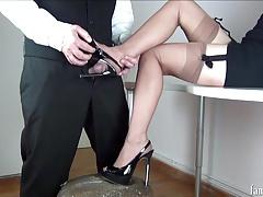 Femme dominatrice, Fétiche des pieds, Français