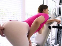 Bombshell Ivy Rose Bends Over For Hung Lover