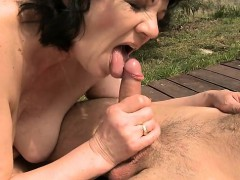 Hot mature sex with cumshot