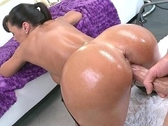 Impeccable MILF Lisa Ann getting fucked