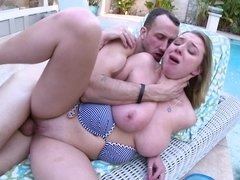 Brooke Wylde is at her curvaceous best fucking poolside