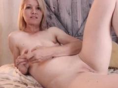 Chatty Web camera Broad Masturbating For You