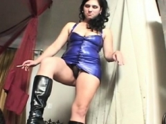 Sexy trampling act with a beauty tying her weak fellow up