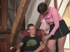 Grown-up motherinlaw getting kinky with him
