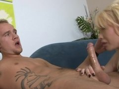 Bimbo tits babe Candy Manson fucked up her wet cunt