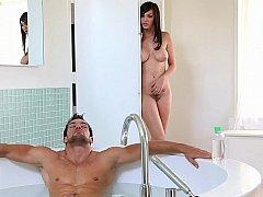 浴室, デカパイ, フェラチオ, 茶髪の, カップル, 自然山雀, ティーン, オッパイの