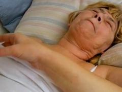 OmaHoteL Lesbo Matures Sex Toys Masturbation
