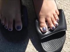 Ariana Blue Toenails