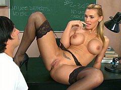 Gros seins, Blonde, Hard, Mère que j'aimerais baiser, Bureau, Professeur
