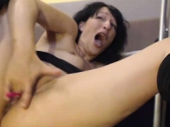 Tasty Eager mom Tramp Rubbing Her Fuck hole Until She Squirts Hard