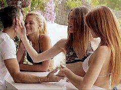 18 ans, Mignonne, Européenne, Groupe, Innocente, Rousse roux, Maigrichonne, Adolescente