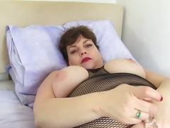 UK soccer mom Vintage Fox has sinful things on her mind