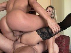 Anal, Tetas grandes, Mamada, Doble penetracion, Sexo duro, Trio