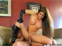 De facto hot mom i`d like to fuck in latex gets nailed