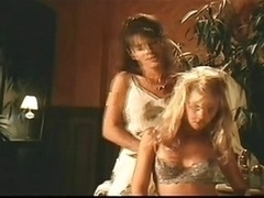 Celebrity B-movie Lesbian Jug M...