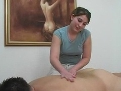 Branlette thaïlandaise, Massage