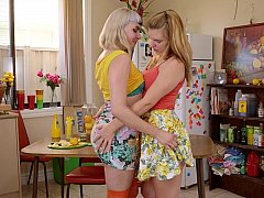 Hungry for pussy lesbian teens