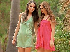 18 años, Asombroso, Morena, Vestido, Lesbiana, Afeitado, Flaco, Adolescente
