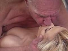 Natural bra buddies pornstar h&job & ejaculation