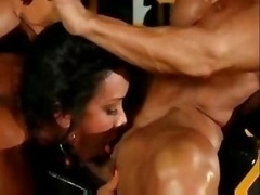 Muscle Chick Lesbians