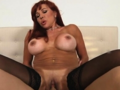 Flirting old bitch gives oral enjoyment to her lewd stud