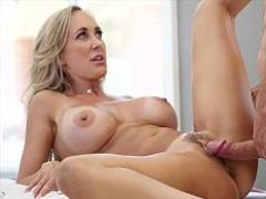 Pounding the perfect MILF