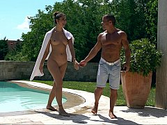 Skinny dipping and pussy eating