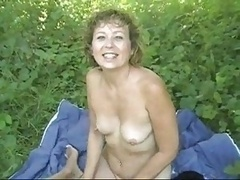 Ruthie banging some dude in the park