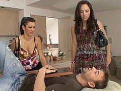 Brunette brune, Face assise, 2 femmes 1 homme, Groupe, Hard, Adolescente, Plan cul à trois