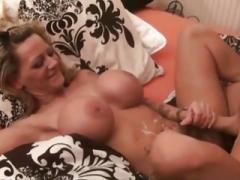 Deutsche Eager mom Hure mit Monster Titten fickt mit jungen Typen