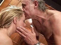 British blonde hoe Paige gets fucked up the arse