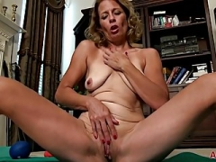 Jade Allan Yoga And also Solo shenanigans on AllOver30
