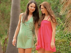 18 jahre, Erstaunlich, Süss, Kleid, Lesbisch, Rasiert, Dürr, Jungendliche (18+)