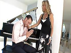 Sexy Housewife Amber Lynn Cheats On Her Husband