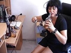Betrunken, Mutti, Sekretärin