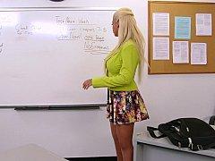Grosse titten, Blondine, Blasen, Vollbusig, Milf, Büro, Ablutschen, Lehrer