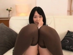 Sexy japanese mom i`d like to fuck gives her lover a oral delight job