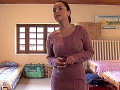 Chambre à dormir, Brunette brune, Mignonne, Gode, Groupe, Lesbienne, Orgie, Fête