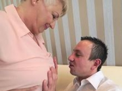 Grown-up whores mouth cum