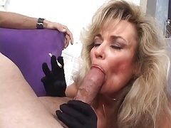 Mom i`d like to fuck hoe takes gives bj a dude off