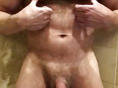 Muslce Daddy Edges and Cums in the Shower