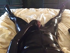Cumming in my Latex Suit
