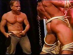2 bodybuilders muscle butt ass whuppin
