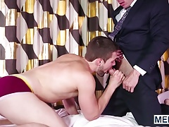 Griffin picks up on the signals and seduces Eddie Walker