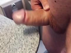 Sperma auf der Zugtoilette