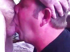 Sucking 2 bear dicks