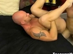 Brawny stud gets a rimjob before an anal pounding