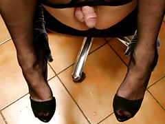 tx-milf cum no hands in pantyhose