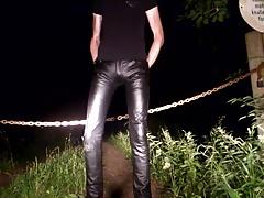 Leather im Park