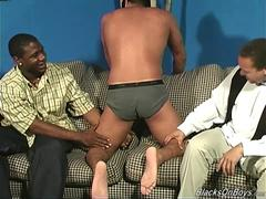 Amateur guy gets assfucked by black thugs
